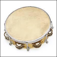 Quel est ce petit instrument bruyant, déjà utilisé au Moyen-Âge ?