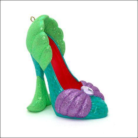 Ces chaussure appartienne a :