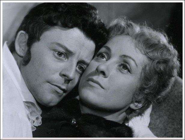 Ces amants célèbres incarnés en 1954 par Gérard Philipe et Danielle Darrieux se prénommaient ?