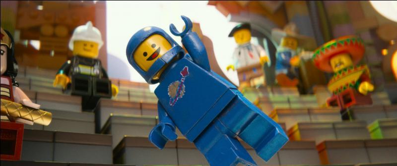 Quel est cet astronaute bleu, qui adore construire des vaisseaux avec des pièces des années 80 ?