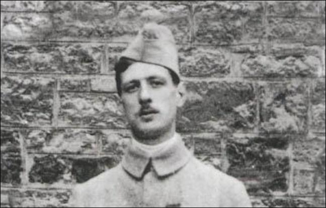 Qui est l'officier français, blessé à la bataille de Dinant (Belgique), qui devint président de la République française ?