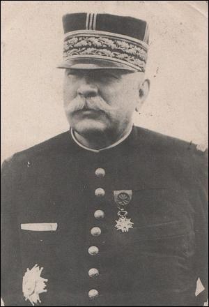 Qui commandait les armées françaises à la déclaration de guerre ?