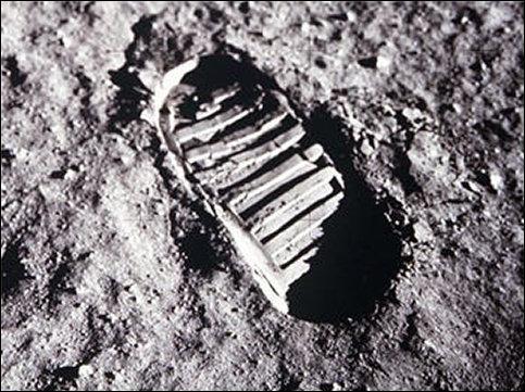 HISTOIRE / GÉOGRAPHIE : Quand l'homme a-t-il marché sur la lune pour la première fois?