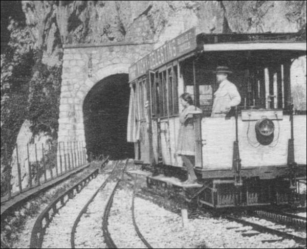 Combien de tunnels ont été percés pour les 9 km du chemin de fer du Salève ?