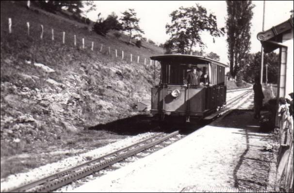 Combien de gares et haltes sur le chemin de fer du Salève ?