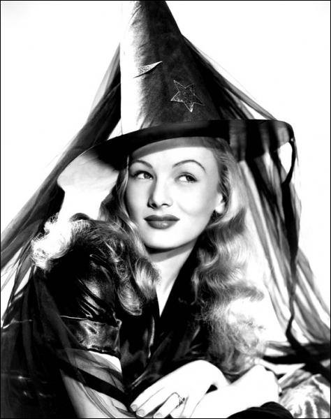 Superbe comédie de René Clair avec Veronica Lake, en sorcière amoureuse d'un mortel et qui le charme...