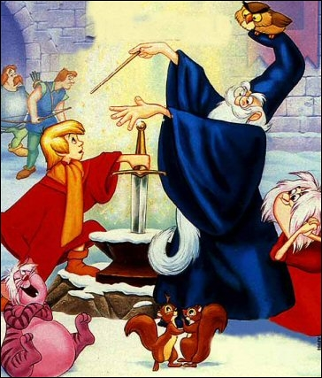 Ce très grand sorcier s'occupe de l'éducation d'Arthur dans le film d'animation de Disney...