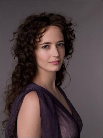 Serafina Pekkala, qu'interprète Eva Green, est la sorcière que rencontrent Lyra et Pantaleimon dans ce film...