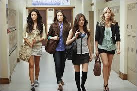 Quelle est cette série avec ces 4 jeunes filles ?