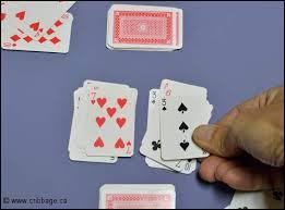 Au jeu de la Bataille, quelle carte est la plus forte ?
