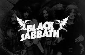 Forcément, il était impensable de faire ce quiz sans parler de Black Sabbath, reconnu comme étant le géniteur du heavy metal. Sur quelle photo trouve-t-on Ozzy Osbourne, le légendaire vocaliste de ce groupe britannique ?