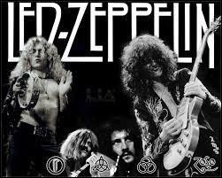 Les britanniques de Led Zeppelin appartiennent également à la légende du hard rock. Désignez le musicien ne faisant pas partie de cet immense groupe :