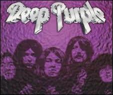 Il s'agit certainement de la chanson la plus connue du répertoire de Deep Purple. Cela s'intitule ...
