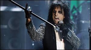Près de cinq décennies de carrière pour cet artiste emblématique de la scène hard rock. Qui est-il ?