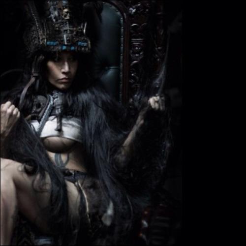 Déesse de la guerre violente et destructrice dans la mythologie aztèque. Qui est-elle ?