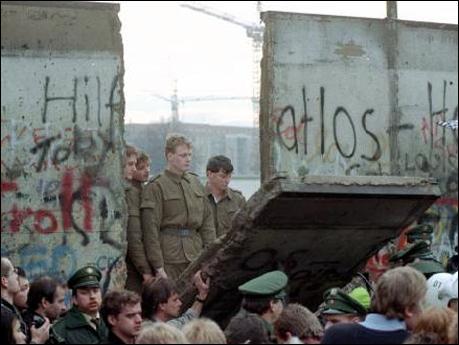 En quelle année y a-t-il eu la chute du mur de Berlin ?