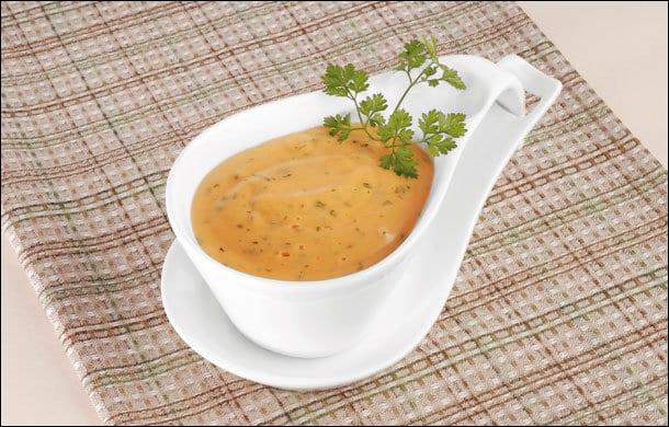 Quelle sauce obtenez-vous en additionnant votre sauce béarnaise de tomate ?