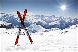 Ce sport se pratique sur la neige avec des skis. Tu as déjà trouvé ? C'est vrai que cette question était facile, comme toutes les autres d'ailleurs. Quelle est la réponse que tu as trouvée ?