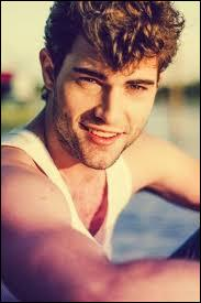 Diego, le petit ami de Violetta au cours de la saison 2 de la série, porte le même prénom dans la vraie vie.