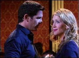 Au cours de la saison 1, Angie fait tout pour séduire Germán.