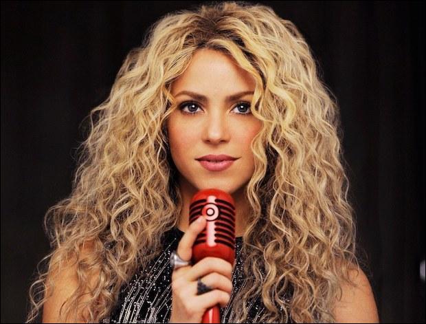 """De quel pays, la star Shakira ayant chanté """"Waka Waka"""" pour la Coupe du monde 2010, vient-elle ?"""