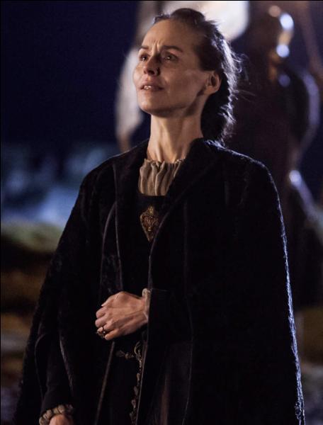 De quoi se plaint la femme de Stannis ?