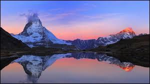 En 2014, qui occupe la première place dans le classement des destinations touristiques mondiales les plus visitées ?