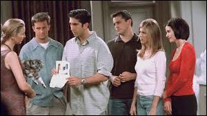 Saison 4 - Épisode 12 : dans le questionnaire de Ross pour Monica, Rachel, Joe et Chandler qui devait les départager pour savoir qui aurait l'appartement des filles ; quelle est la dernière question que Ross a posé aux filles ?