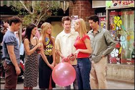 Saison 7 - Épisode 19 : qui tomba sous le charme de Cassie, la cousine très sexy de Monica et de Ross ?