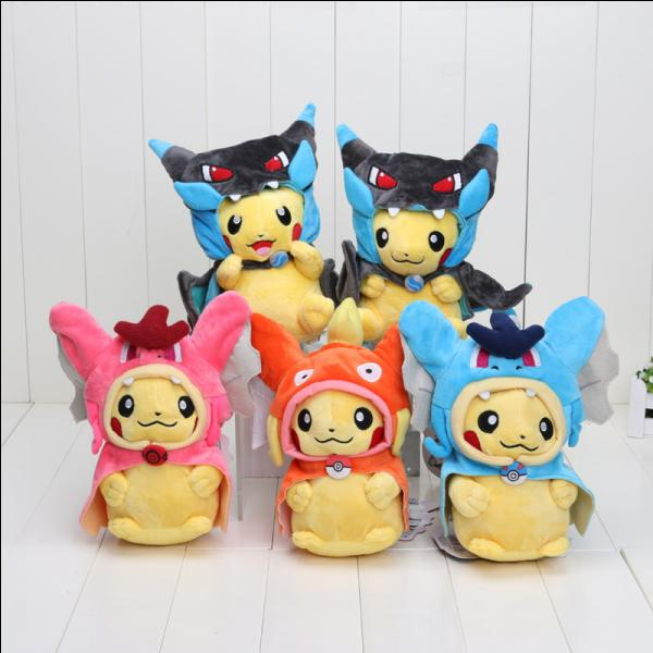 Encore des Pikachu cosplayers ! Celui en bas au milieu se fait passer pour...