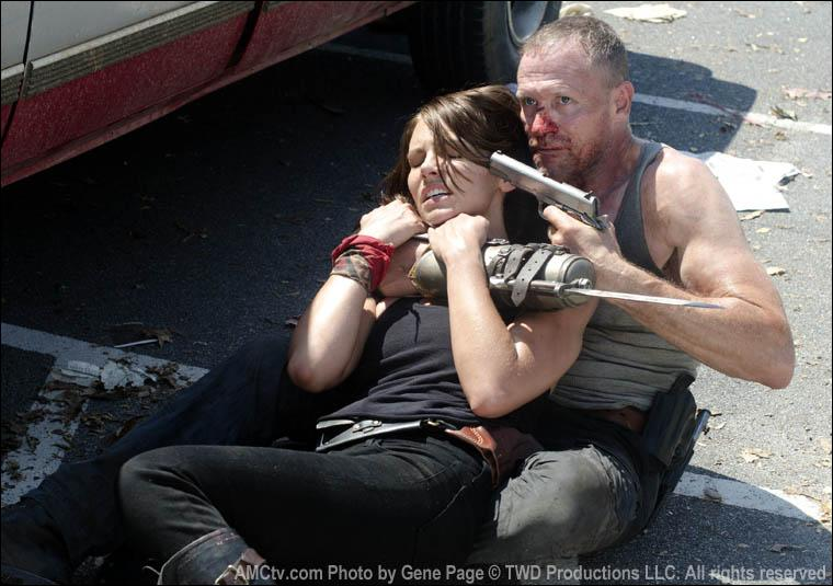 Pourquoi Merle capture-t-il Glenn et Maggie ?