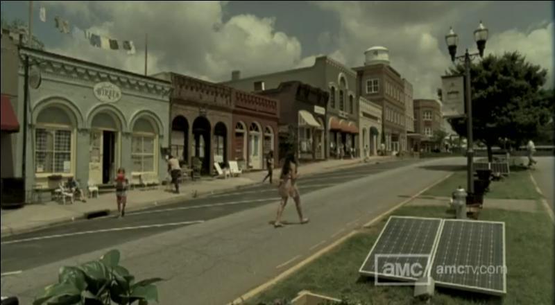 Andrea a continué sa survie avec la mystérieuse Michonne. Elles ont été retrouvées par Merle qui les a amenées dans une petite ville sécurisée. Quelle est cette ville ?