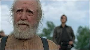 Avec quoi Brian tue-t-il Hershel ?