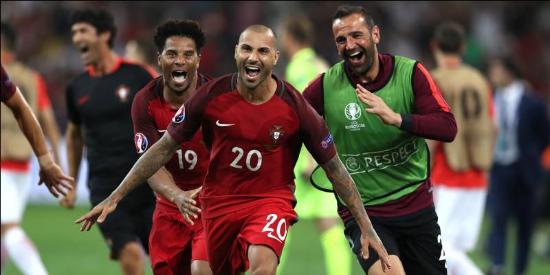 À quel moment du match le Portugal est-il parvenu à remporter son match contre la Pologne ?