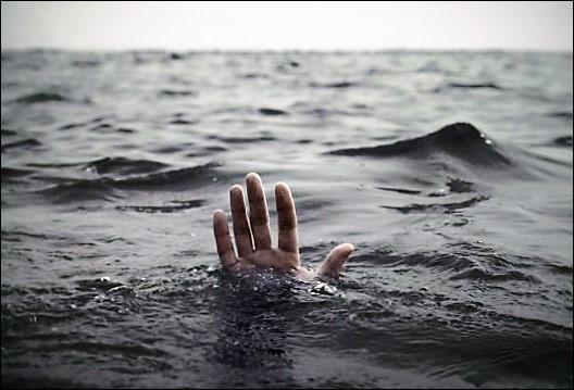 L'empereur Trajan, excédé par le zèle de ce pape, le précipita au fond de la mer une ancre au cou. Qui est-il ?