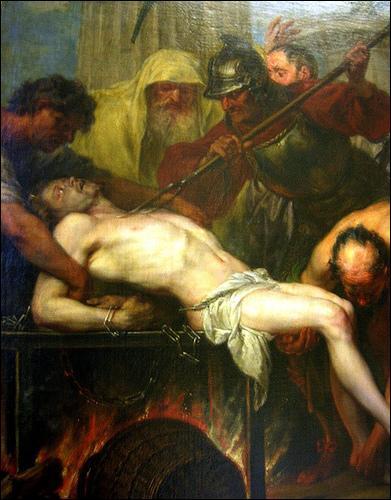 """Diacre de Rome, l'empereur Valérien donna l'ordre de le faire cuire sur un gril, avant de rendre l'âme il lança moqueur à ses tortionnaires """"je suis assez rôti de ce côté, vous pouvez me retourner"""". Qui est-il ?"""