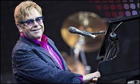 Quel est le nom de ce compositeur-interprète et pianiste qui chante du pop-rock anglais ?