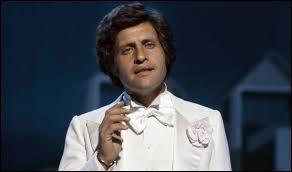 Joseph Ira est né à New York en 1938 et il est décédé en 1980 à Papeete. Quel était son nom de scène ?