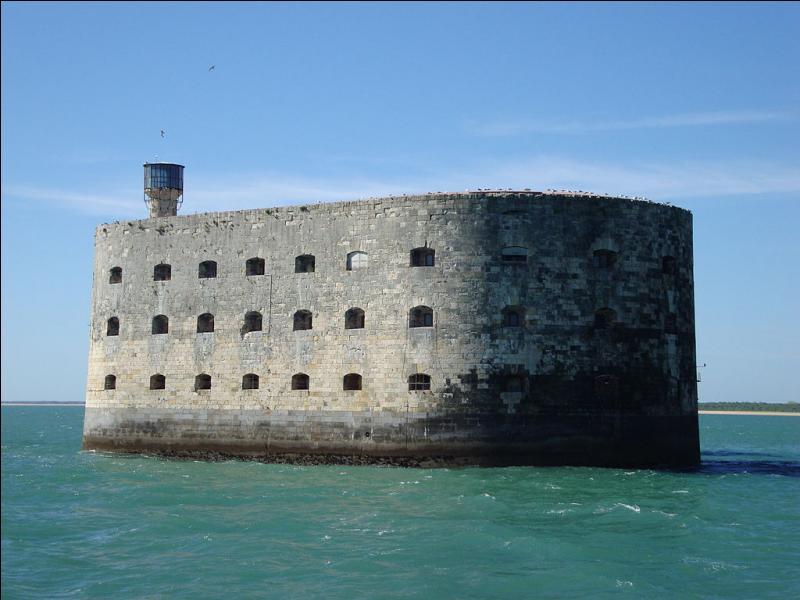 À quel département appartient le fort Boyard ?