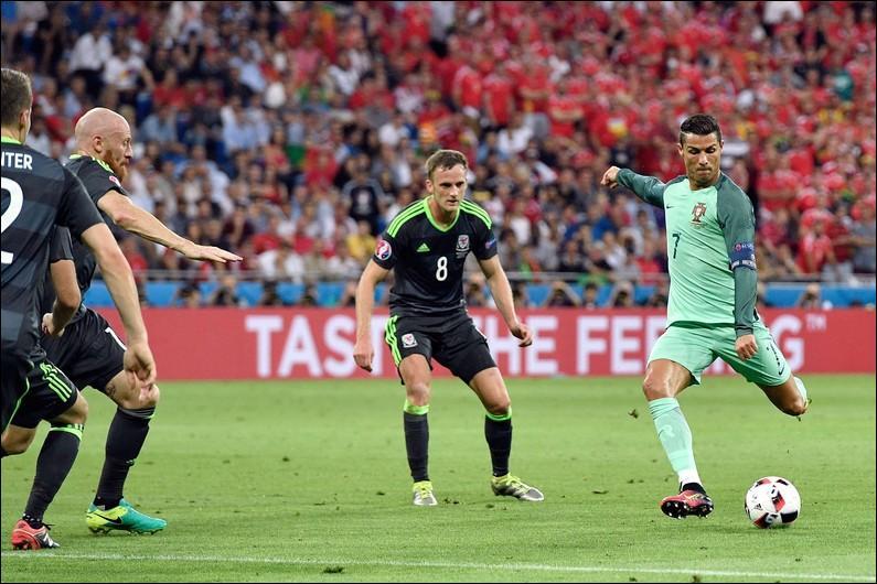 Nous voici déjà aux demi-finales avec ce match Portugal-Pays de Galles.