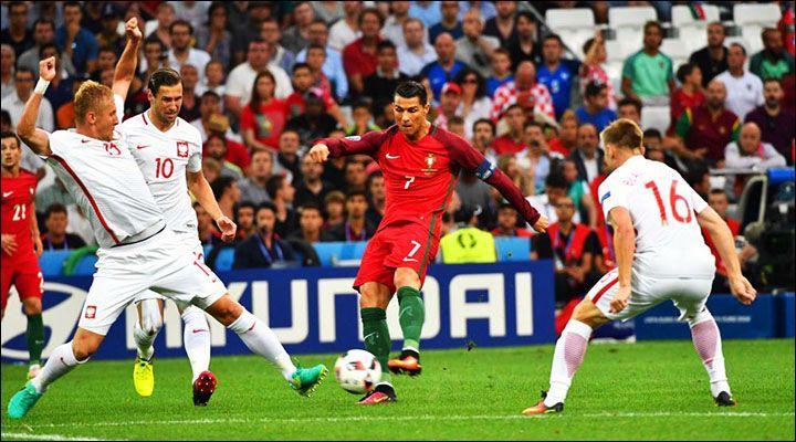 Passons maintenant aux quarts de finale avec ce premier match : Portugal-Pologne.