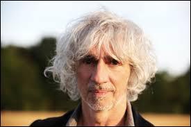 Il est d'origine algérienne et fut guitariste de Rock. Il est...
