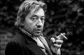 Ce chanteur a composé plus de 40 musiques de film. C'est un homme qui aime jouer avec les référence littéraires. Qui est-il ?