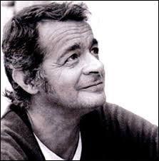 Cet acteur et chanteur est décédé en 2004 à Boulogne-Billancourt. Il est né en Italie en 1922. Il s'appelait...