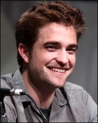 Lequel de ces prénoms ne fait pas partie du nom complet de l'acteur qui joue le rôle d'Edward Cullen ?