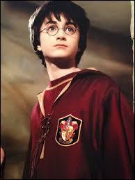 Quand Harry est-il nommé capitaine de l'équipe de Quidditch ?