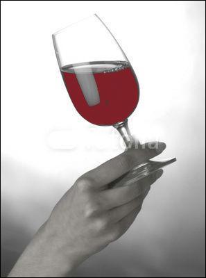 Quel est ce vin qui n'existe qu'en rosé et dont Balzac a dit qu'on pouvait avantageusement le laisser vieillir ?