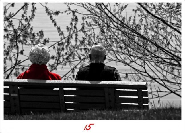 """Qui chantait """"Les vieux ne parlent plus ou alors seulement parfois du bout des yeux..."""" ?"""