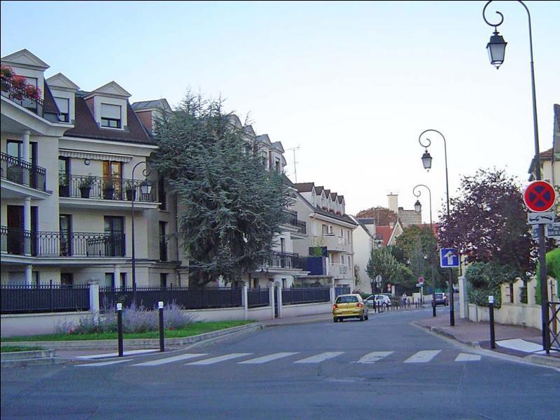 De quel département français la ville d'Antony est-elle une sous-préfecture ?