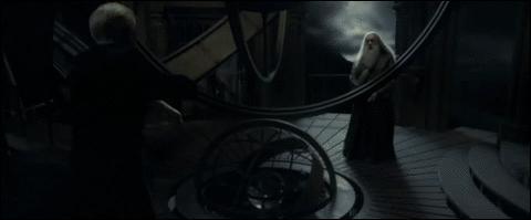 Quel sort jette-t-il a Dumbledore pour le désarmer dans la tour d'astronomie?